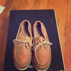 Sperry top sister